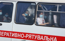 """""""Вернулись из Китая"""": на Буковине жители поселка запретили выходить на улицу маме с двумя детьми - детали"""