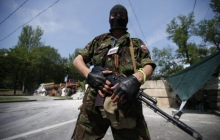 """Ссора двух группировок """"ДНР"""" под Новоазовском закончилась пожаром и взрывом: взлетел на воздух склад"""
