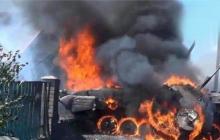 ВСУ шквальным ударом подорвали бронетехнику оккупантов под Донецком: уничтожены две БМП, подорван ангар - видео