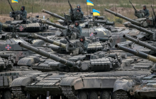 Боевая авиация, корабли, танки, вертолеты и сотни бойцов ВСУ на Азовском побережье готовятся к бою с российским десантом - кадры - детали
