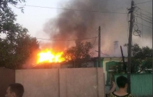 Видео последствий обстрела Донецка 1 августа: полностью разрушены пять домов