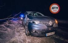 Сбил бойца ВСУ на полном ходу: военный, ставший жертвой ночного ДТП в Киеве, в тяжелом состоянии - кадры