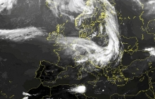 """""""Уберите все, что может летать"""", - атмосферный фронт принесет в Украину холодную стихию с ливнями и ветром - прогноз"""