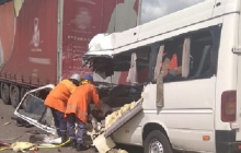 Десятки погибших и раненых: в смертельном ДТП на Житомирщине столкнулась маршрутка и грузовик - кадры