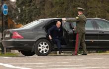 На инаугурации Путин показал свой новый российский лимузин: фото секретной машины появилось впервые