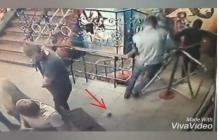Видео взрыва в клубе в Сумах: люди не поняли, что в них кинули гранату, не убегают, пинают ее ногой - кадры