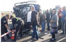 Влетели в грузовик: в Ровненской области после столкновения иномарки и автобуса много погибших и раненых