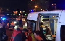В Киеве водитель разнес остановку с людьми: раненые выжили только чудом – первые кадры