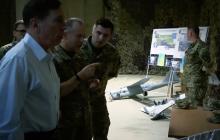 Генерал армии США Дэвид Петреус приехал на Донбасс к бойцам ООС - громкие подробности и кадры