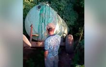 На Черкасчине монастырь УПЦ МП сливает нечистоты на памятник погибшим бойцам ООС - резонансные кадры