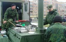 """У боевиков """"ДНР"""" не хватает солдат: на передовую собираются отправить поваров и посудомоек"""