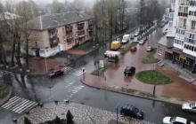 Повод соблюдать самоизоляцию: на Украину обрушилась непогода, идет мокрый снег, видео