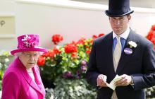 Внук Елизаветы II Питер Филлипс бросил жену и двух детей, семья собирает вещи и покидает королевство