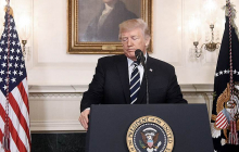 """Трамп приказал уничтожать корабли Ирана: """"Мы откроем огонь, если будете преследовать наши суда!"""""""