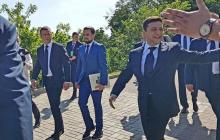 Порошенко на инаугурации Зеленского поразил мощным поступком: сильные кадры, пропагандисты разочарованы - фото