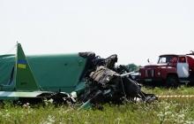 На востоке Украины случилась авиакатастрофа: в Харьковской области разбился легкий одномоторный самолет, - кадры