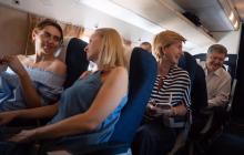 Появление Порошенко в самолете во Львов привело в восторг украинцев: народному президенту устроили бурную встречу