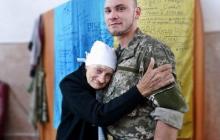 Не стало бабушки Люды, старейшего волонтера Украины: она до последнего кормила раненых в больнице в Днепре
