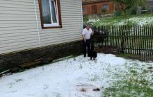 Яремче засыпало градом, а Ивано-Франковщину - снегом: дороги побелели