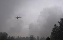 Ситуация в районе взрывов под Ичней: разрывы снарядов продолжаются до сих пор - новые кадры происшествия поразили соцсести