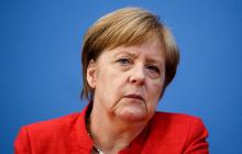 Меркель срочно самоизолируется с подозрением на коронавирус: в пятницу произошел неприятный эксцесс