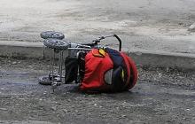 """ЧП во Львове: """"Тойота"""" на огромной скорости наехала на коляску с малышом и умчалась с места происшествия"""