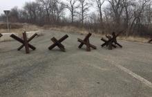 Что происходит в Станице Луганской после разведения войск: жительница показала новое видео