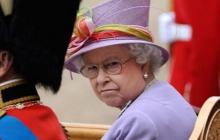 Елизавета II созывает экстренную встречу из-за отречения принца Гарри и Маркл