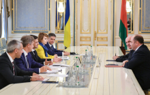 Зеленский определился с первыми официальными назначениями - названо имя нового главы МИД