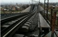 Кихтенко: на восстановление моста возле Мариуполя уйдет не меньше месяца