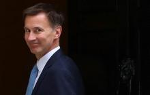 Переговоры без любезностей: главы МИД Великобритании Хант и России Лавров провели встречу