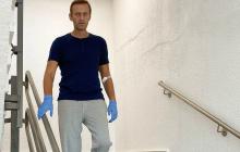 """Навальный показал фото из """"Шарите"""" и рассказал о своем состоянии: """"Не понимал, как разговаривать"""""""