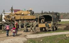 """""""Переговоры с Москвой провалились"""", - Турция стягивает войска в Сирию: колонна из сотен танков и БМП уже на подходе, видео"""