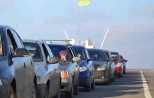 Донецкие боевики нарочно задерживают людей при попытке выезда из ОРДЛО, на КПВВ образовались гигантские очереди