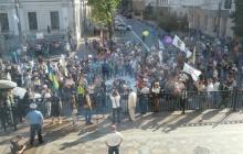 Депутаты вышли к протестующим на финансовом майдане (Видео)