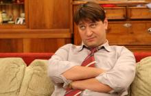 """""""Гена Букин"""" актер Виктор Логинов женился на 21-летней девушке с редкой внешностью"""