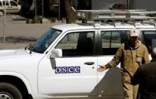 В оккупированном Снежном машина ОБСЕ попала под обстрел: пуля пробила стекло и прошла навылет