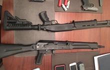 СБУ схватила двух подозреваемых, которые пытались убить зампреда Одесской ОГА: опубликованы лица нападавших и огромный арсенал оружия