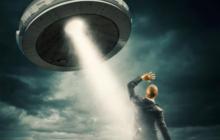 Американка сняла на видео схватку двух НЛО: кадры поразили весь мир