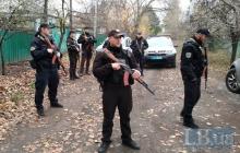 """В Золотое к """"Азову"""" приехали силовики: добровольцев хотят вывести из села - фото"""