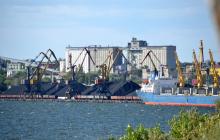 """Крупнейший Николаевский порт парализован из-за """"Укрзализныци"""", специалисты угрожают коллапсом"""