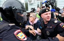 В Москве задержали Любовь Соболь: силовики Путина выволокли юриста ФБК прямо из машины - жесткие кадры