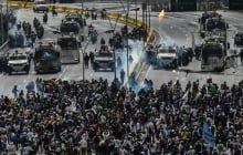 Схватка протестующих с силовиками Мадуро в Венесуэле: миллиардер США Принс готов отправить 5000 бойцов в помощь Гуайдо