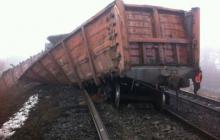 Из-за взрыва на мосту в Запорожской области в близлежащих домах повыбивало стекла