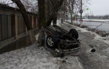 Машину разорвало от  удара, боевики просто повылетали из салона авто: в Сети показали фото смертельного ДТП в Донецке, оккупанты летели на бешенной скорости