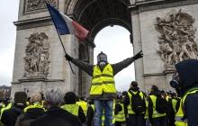 """Погромы, ограбления, задержания: в Париже подвели итоги массовых акций протеста """"желтых жилетов"""" – кадры"""
