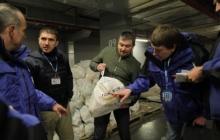 """В Донецк прибыла первая автоколонна 17 конвоя с гуманитаркой """"Фонда Ахметова"""""""