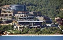 Отель 5 звезд и 40-метровая яхта: СМИ Турции рассказали о нескромном отдыхе Зеленского, он уже отреагировал