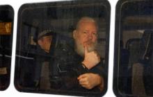 Основателя Wikileaks Джулиана Ассанжа в Лондоне приговорили к тюремному заключению