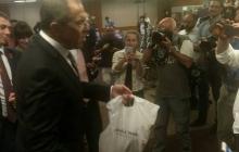 На переговорах с Керри Лавров напоил журналистов водкой
